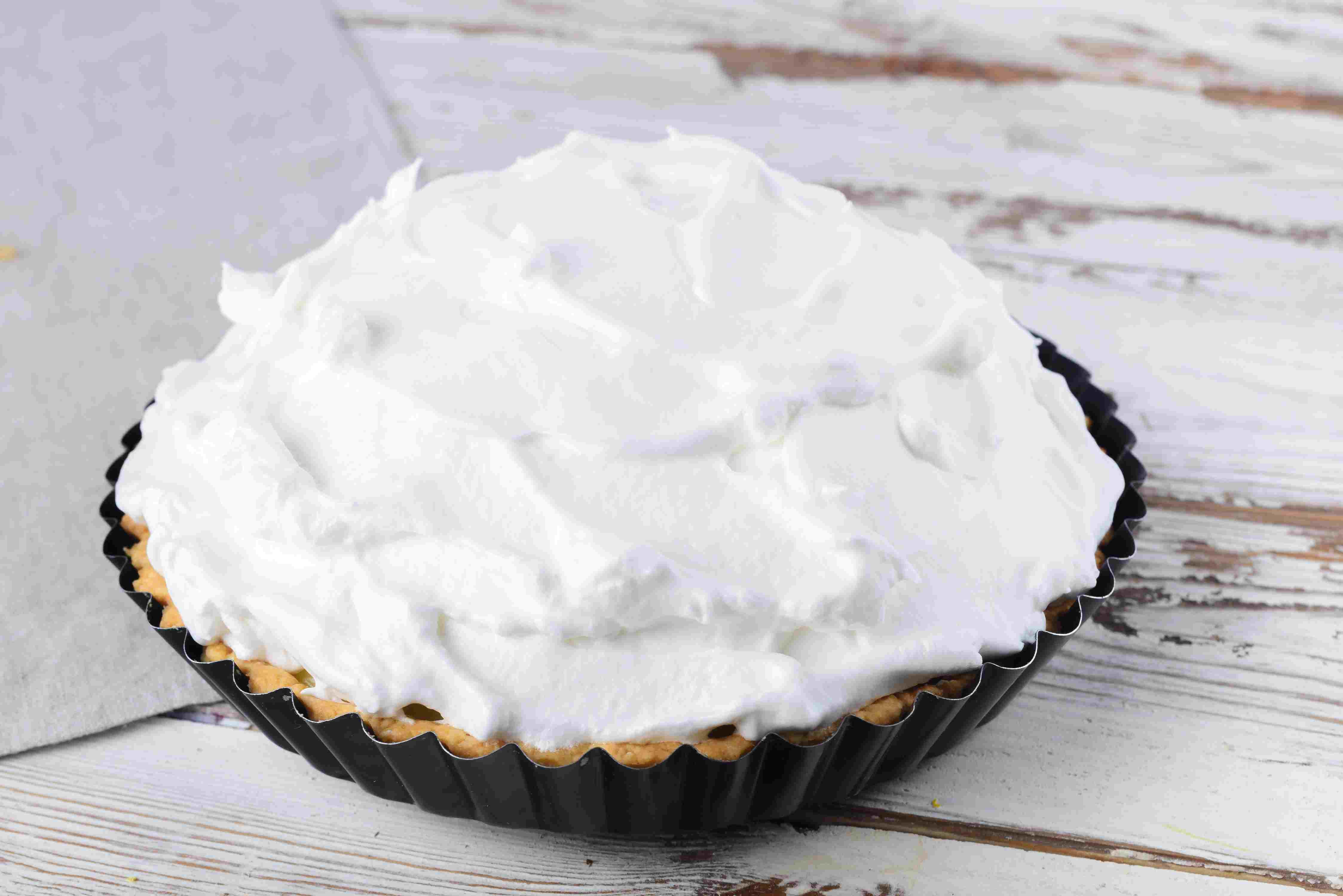 Top pie with meringue