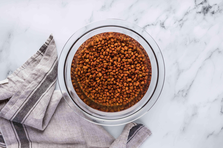 Soak azuki beans