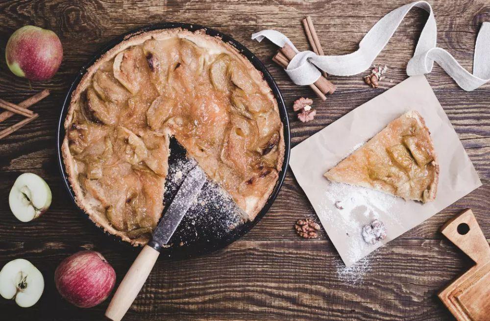 One-layer apple walnut cake