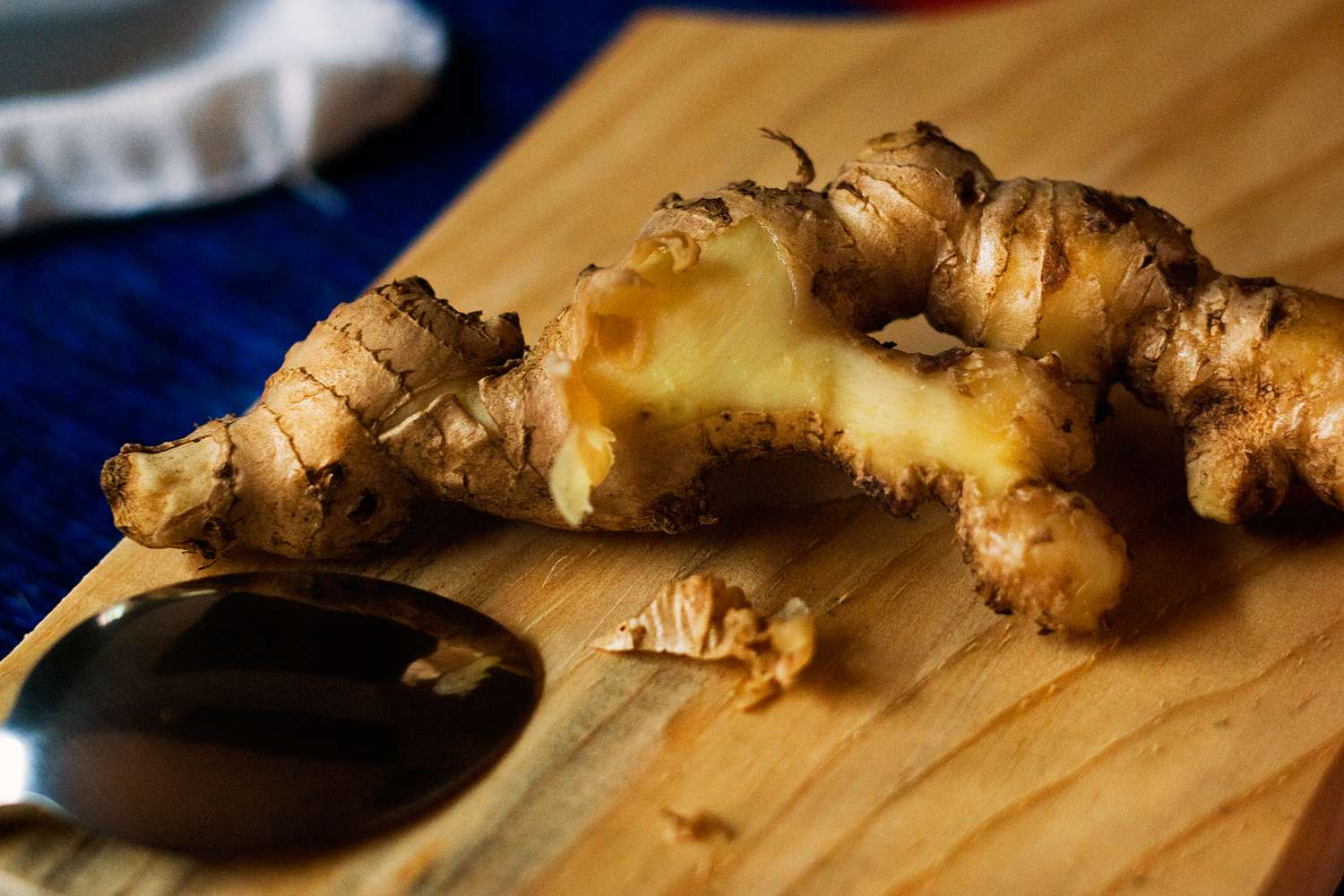 Peeled ginger