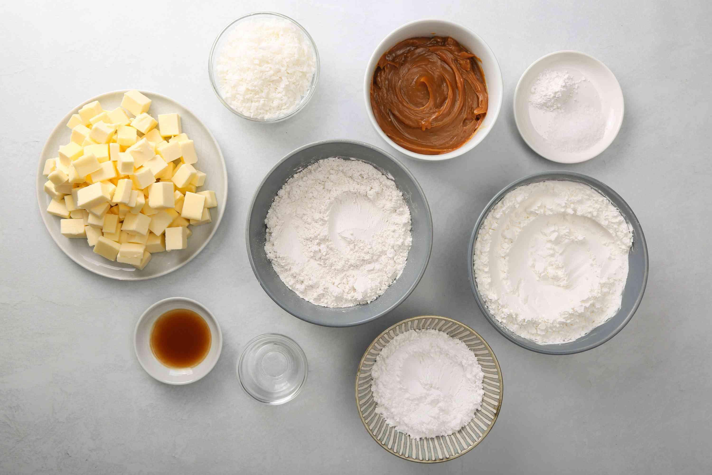 Traditional Alfajores - Caramel Sandwich Cookies ingredients