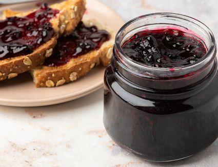 Easy-to-Make Recipe for Homemade Mulberry Jam