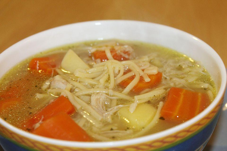 Spanish chicken soup