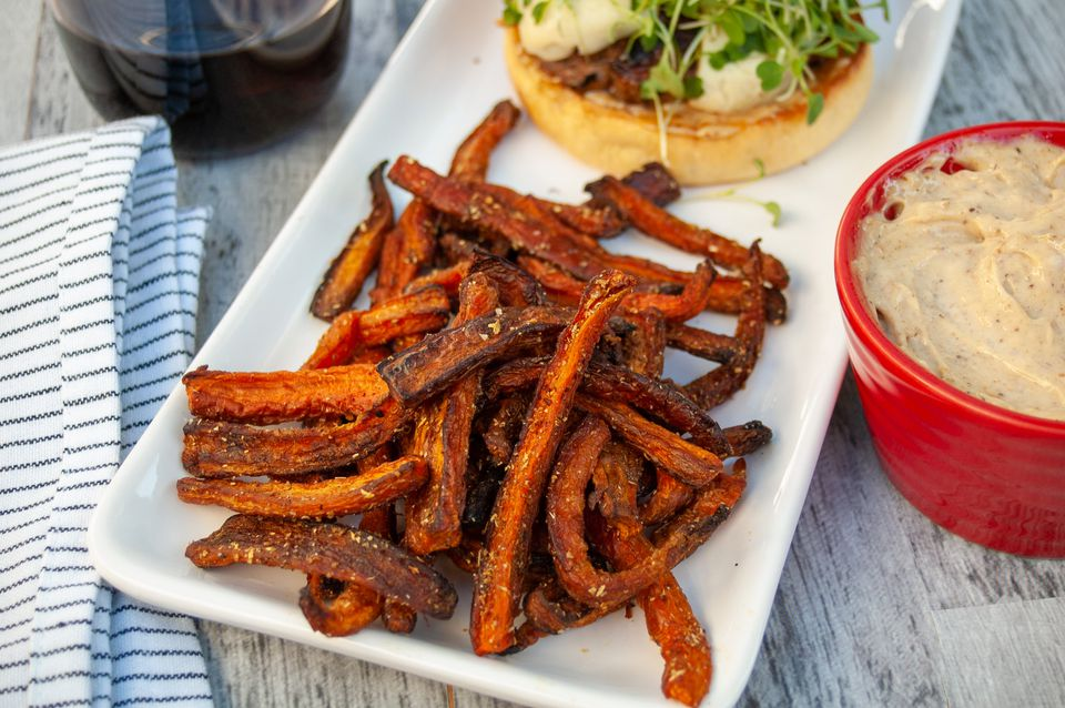 roasted carrot fries with garam masala and spiced garlic mayo