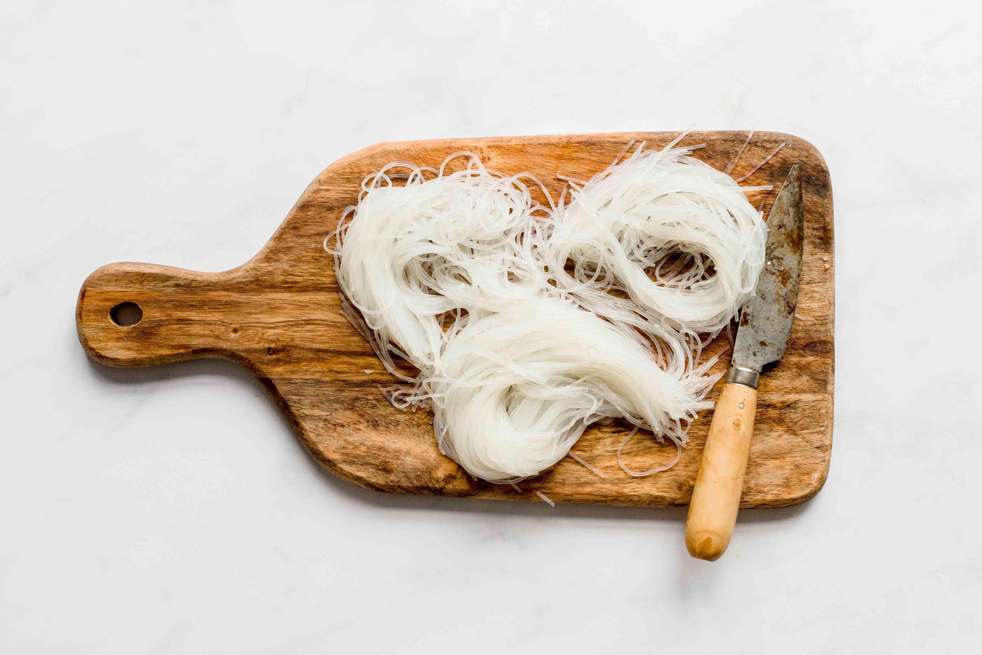rice noodles cut into three pieces