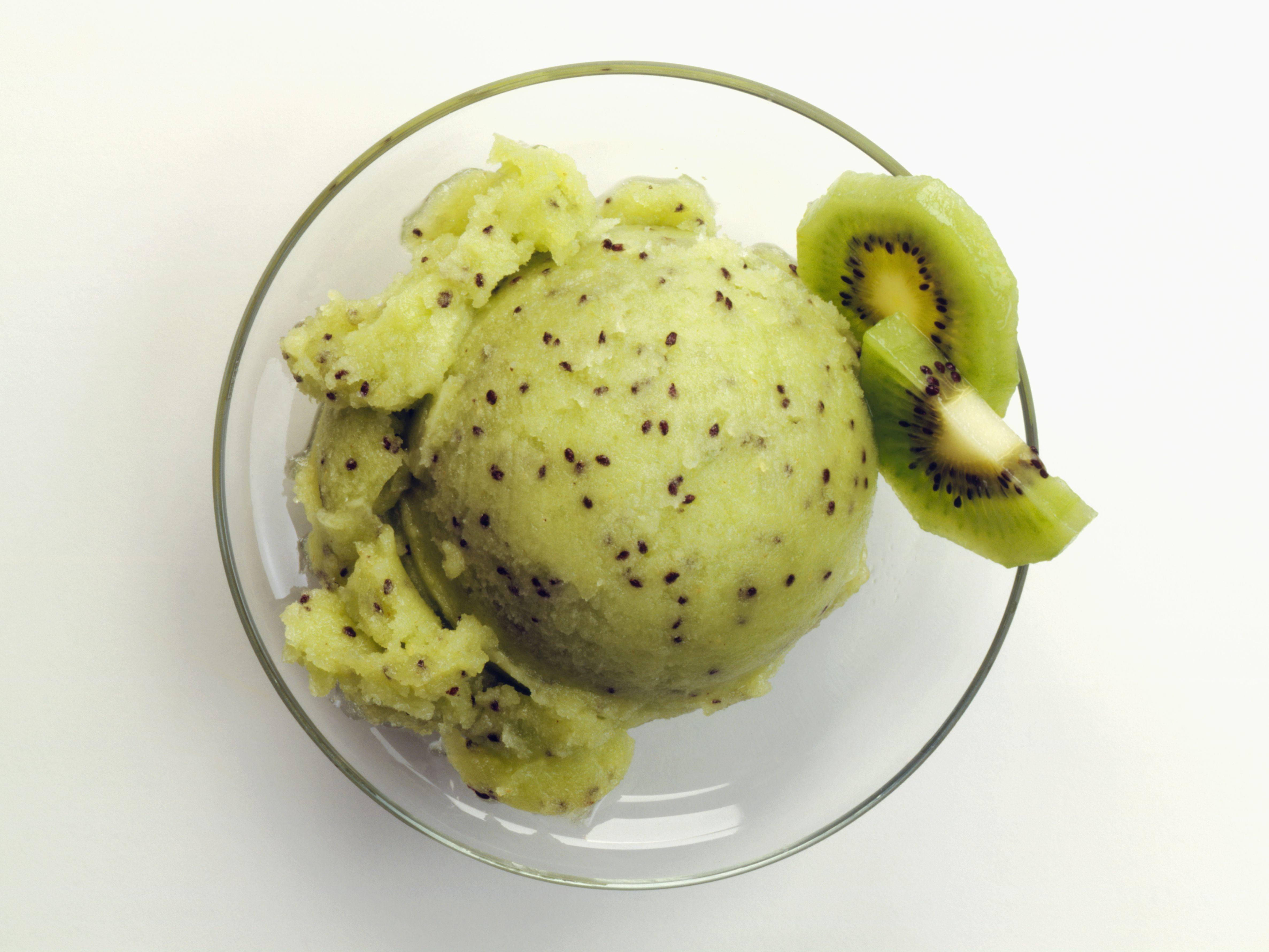 scoop of kiwi ice cream with kiwi slices 581a2ca43df78cc2e81ef713