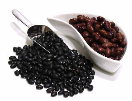 Black beans (raw and cooked)