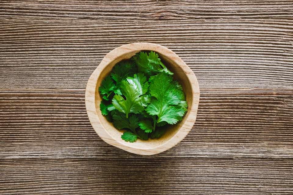 Pollo con salsa de crema de cilantro