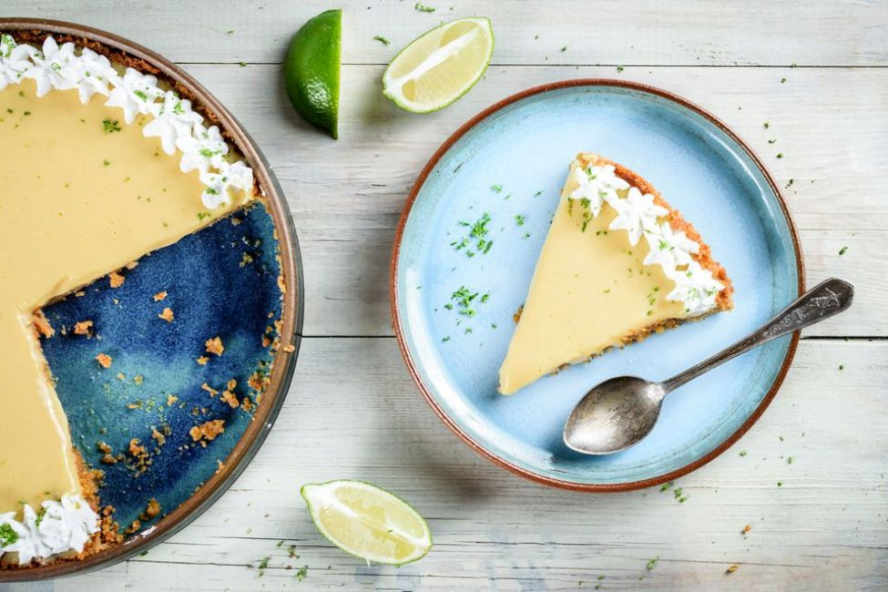 4-ingredient no-bake Key lime pie in a graham cracker crust