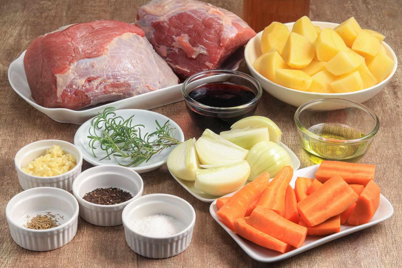 Slow cooker pot roast ingredients