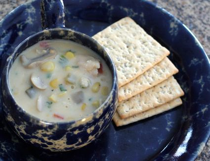Chicken and corn chowder with crackers
