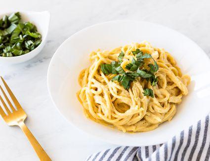 Easy vegan nutritional yeast pasta recipe