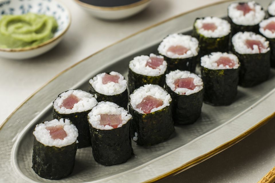 Tekkamaki sushi roll recipe