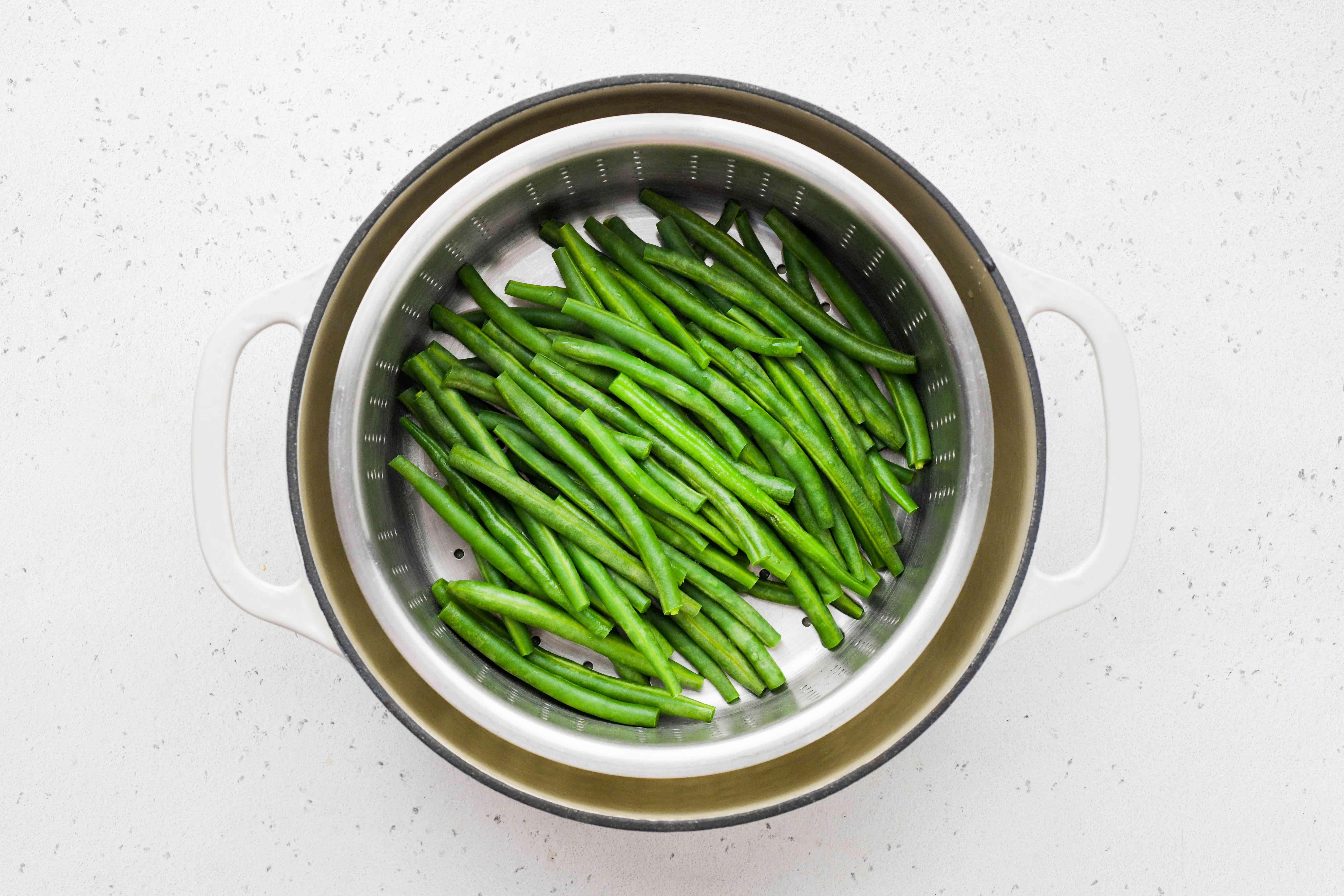green beans in a pot
