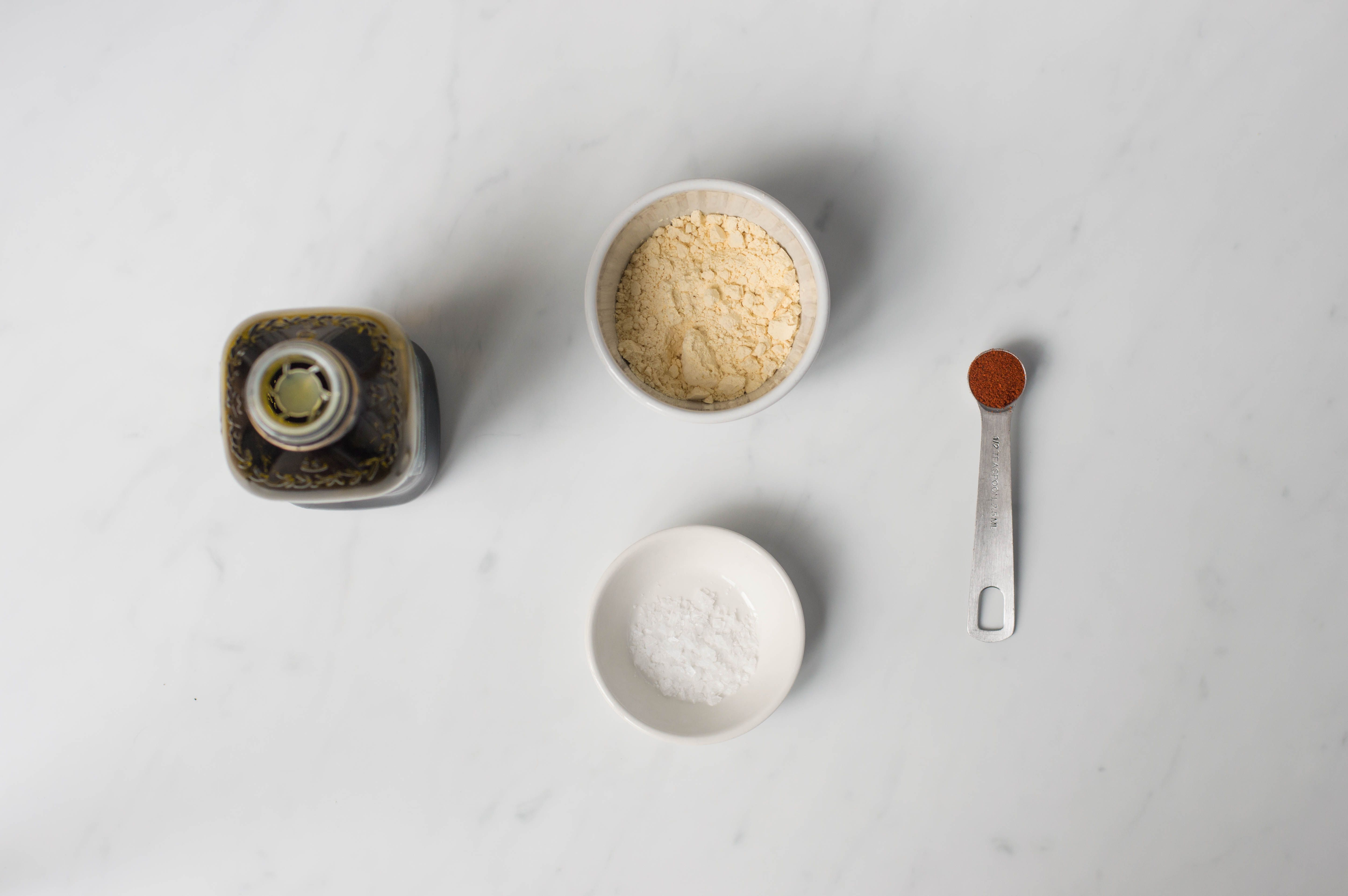 Ingredients for frying the cauliflower