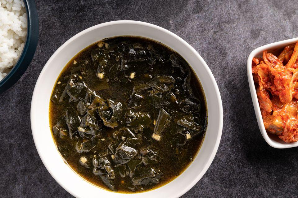 Korean Seaweed Soup (Miyuk Guk)