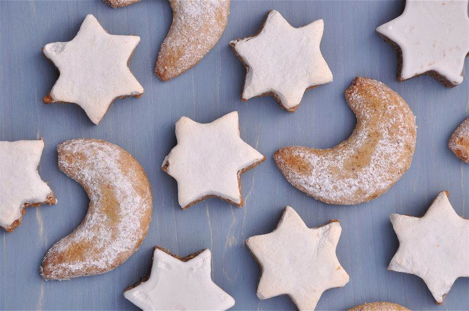 German christmas recipes and traditions nutty german christmas cookie recipes german cinnamon star and vanilla crescent cookies forumfinder Image collections