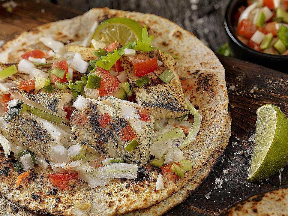 Mexican mahi mahi tacos