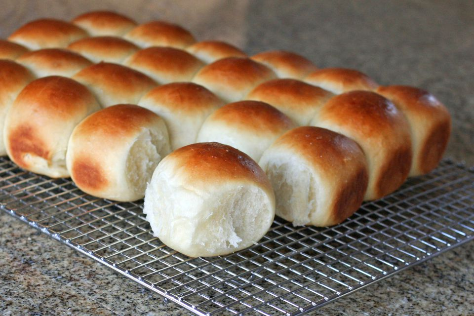 Homemade Buttermilk Dinner Rolls