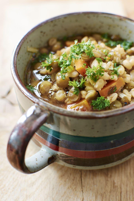 Receta básica de sopa de carne de cebada para la olla de cocción lenta