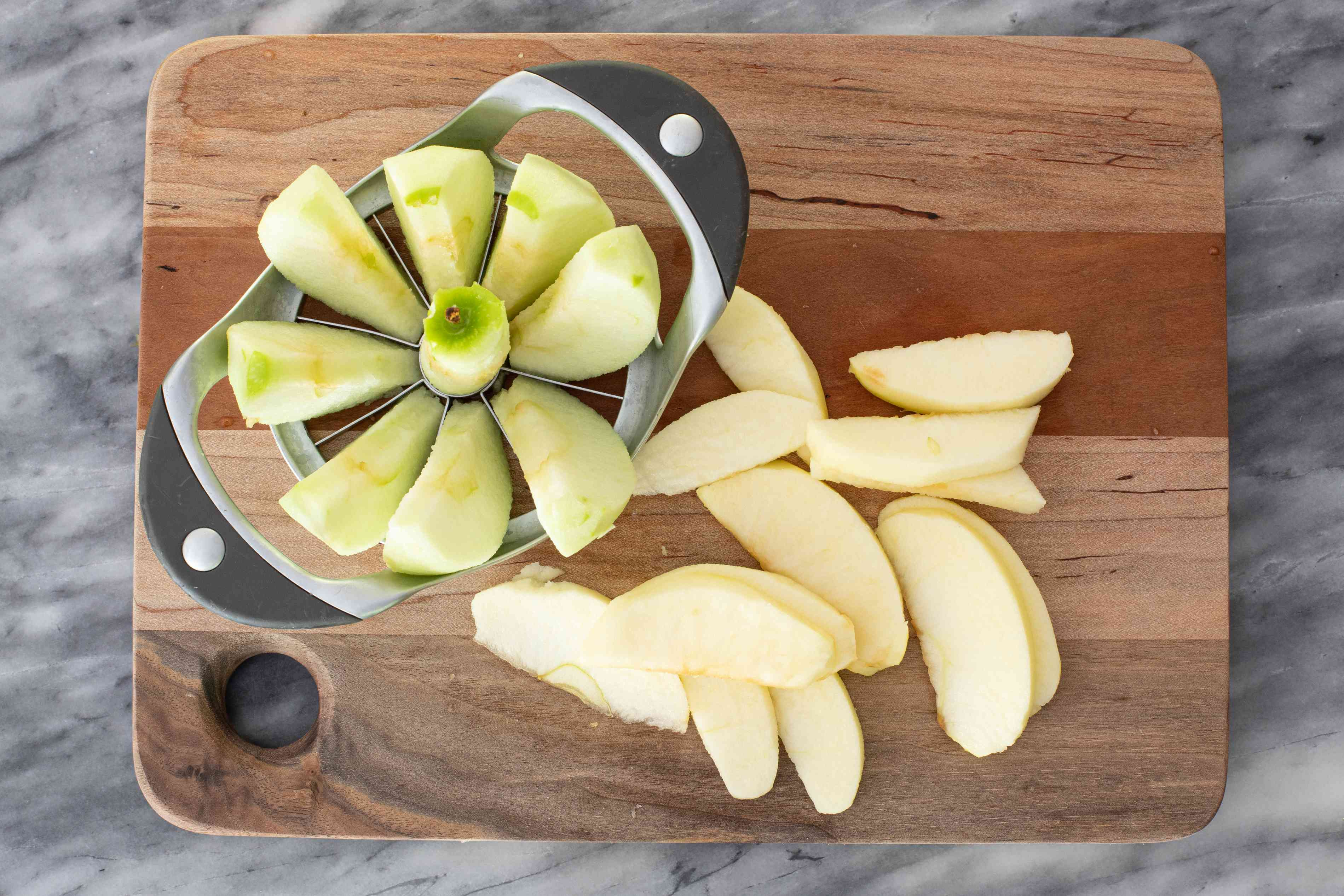 peel, core, and slicing apples