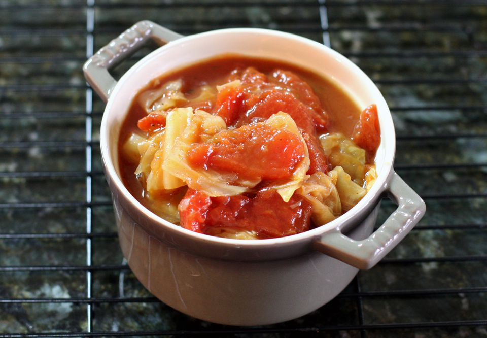 Slow cooker cabbage and tomatoes