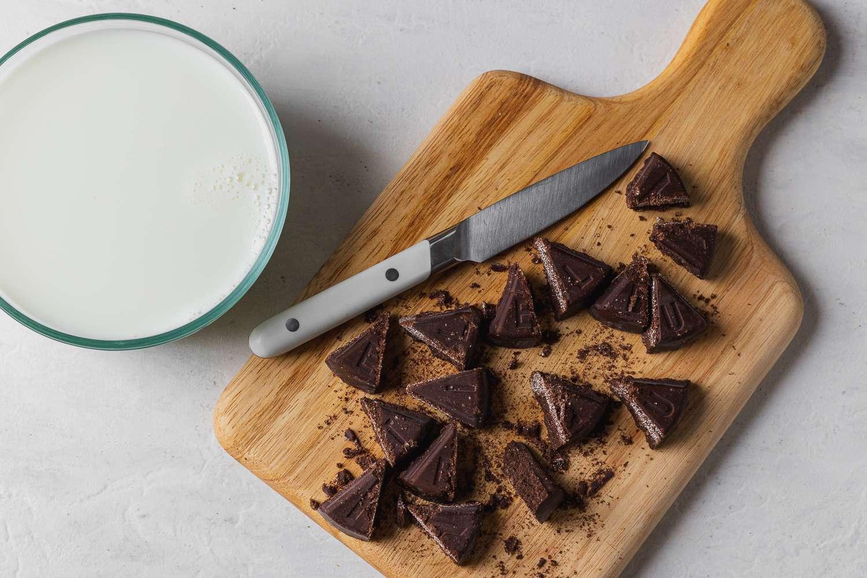 Cutting the chocolate de mesa
