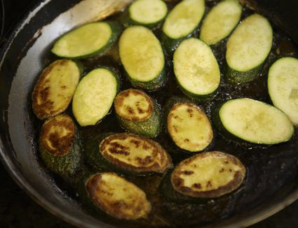 Sauteeing zucchini without oil