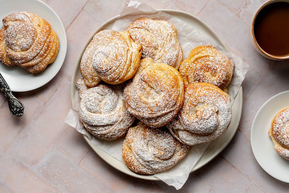 Ensaïmada Mallorquina (Mallorcan Spiral Pastry)