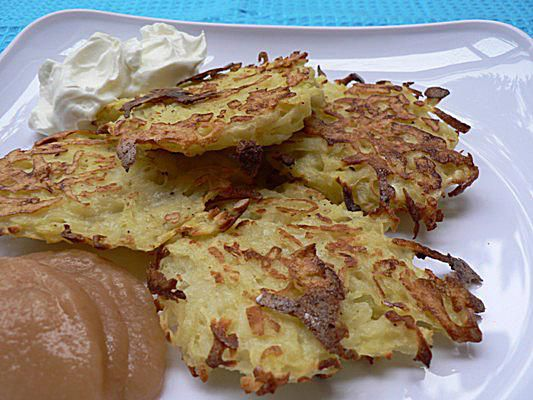 Low-fat potato latkes