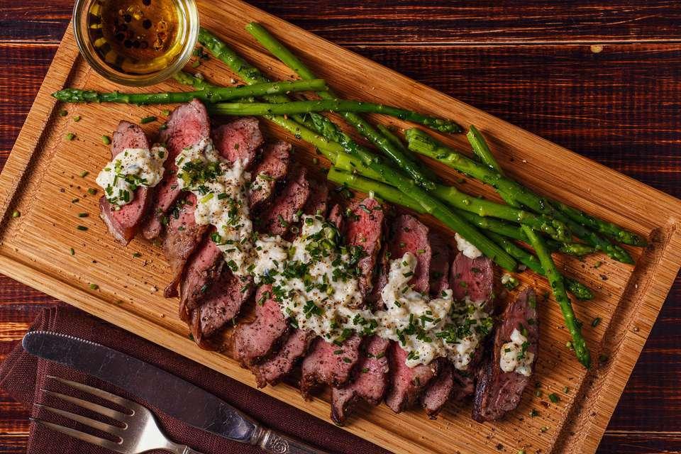 Steak with gorganzola sauce