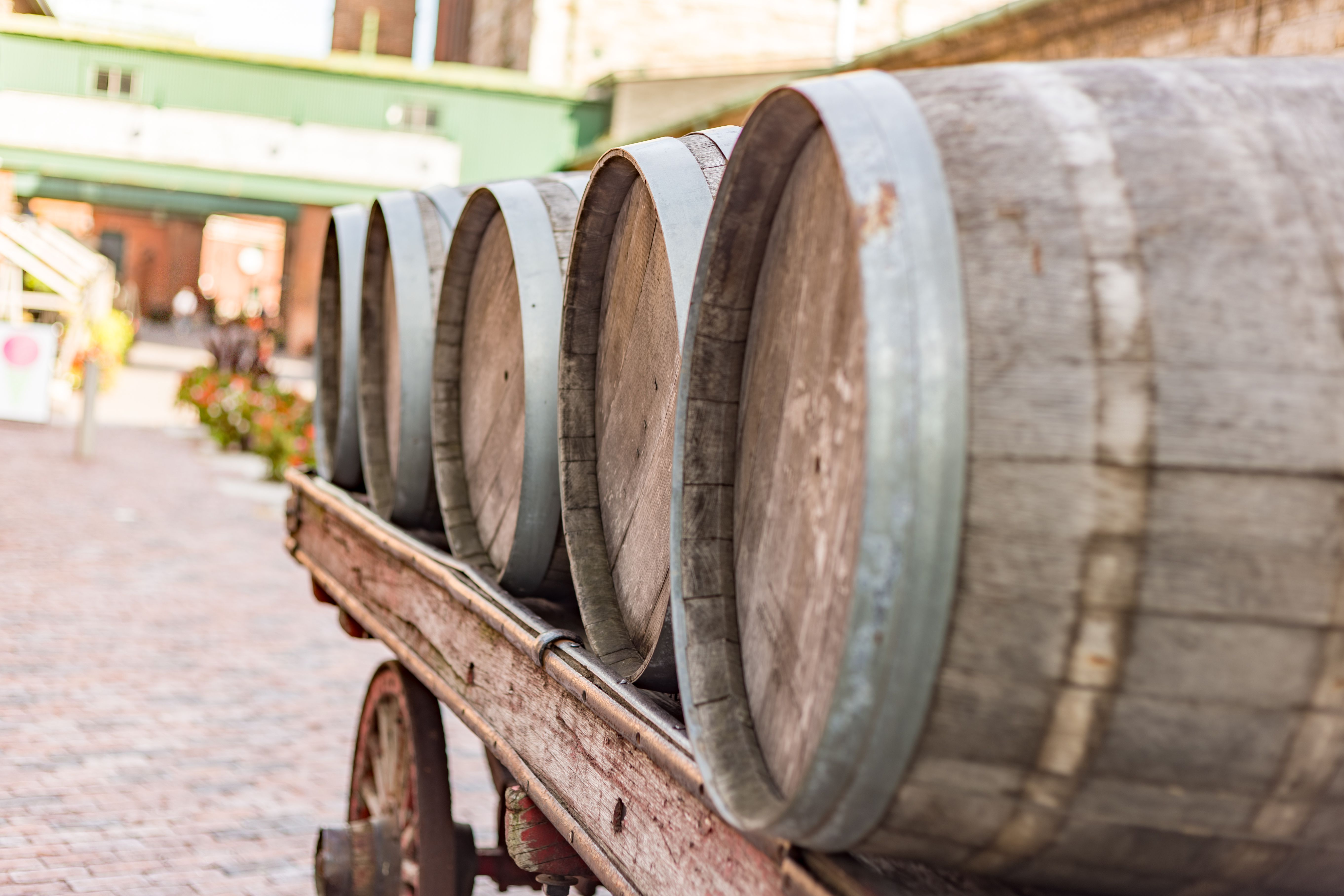 Barrels lined up on a carriage