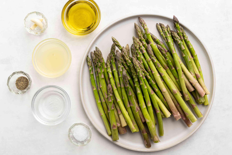 Pan-Roasted Asparagus With Lemon and Garlic ingredients