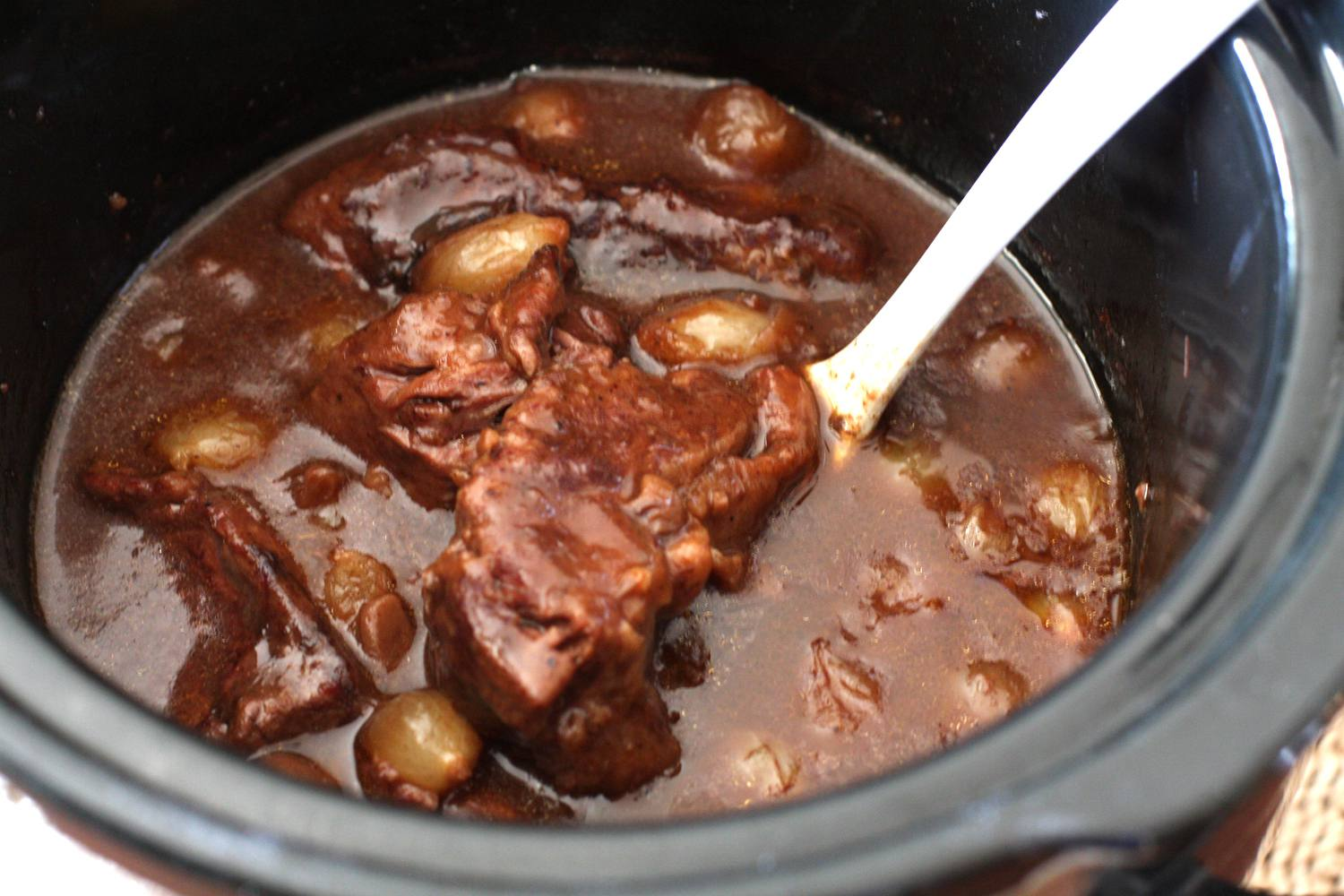 short ribs burgundy, slow cooker