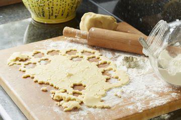 Cutting cookie dough
