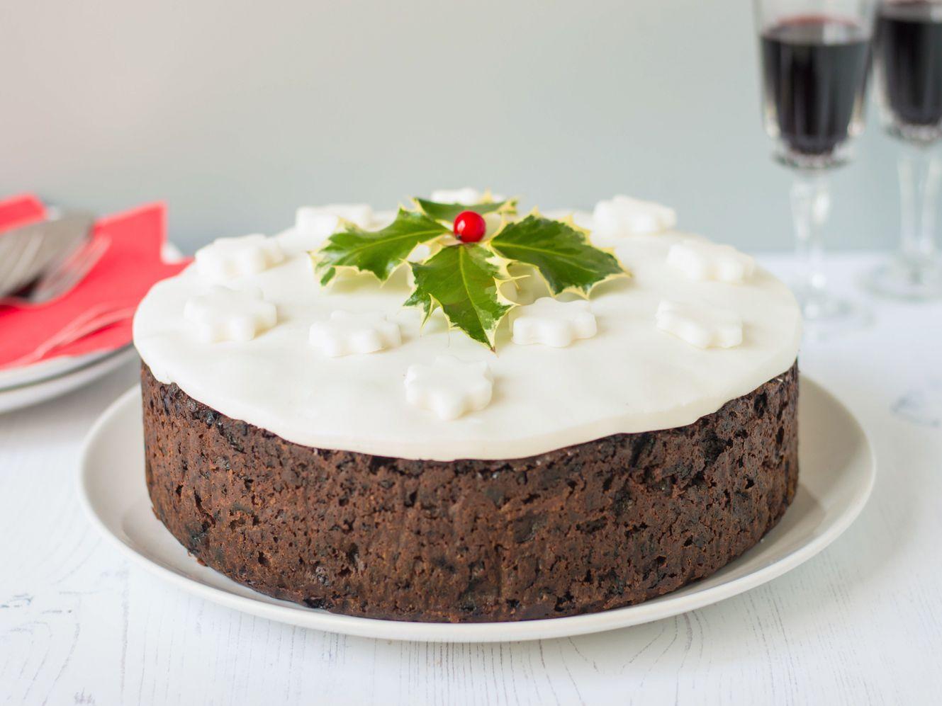 Christmas Cake Recipe.Traditional British Christmas Cake Recipe