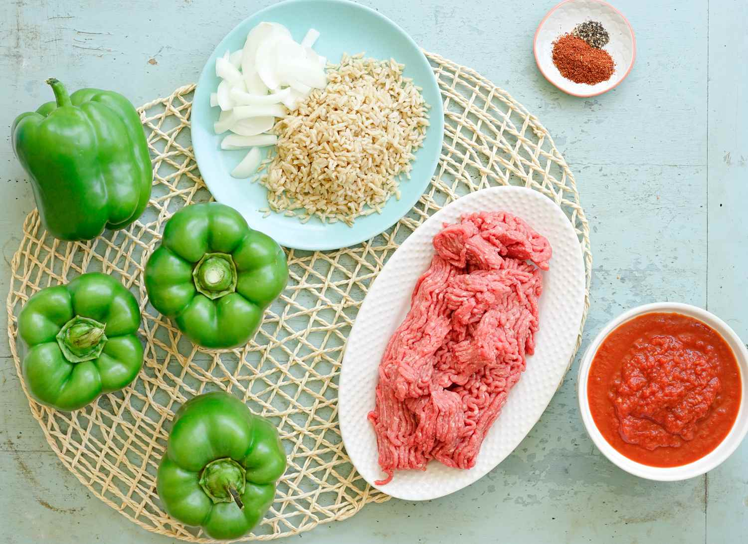 Stuffed green peppers with rice ingredients