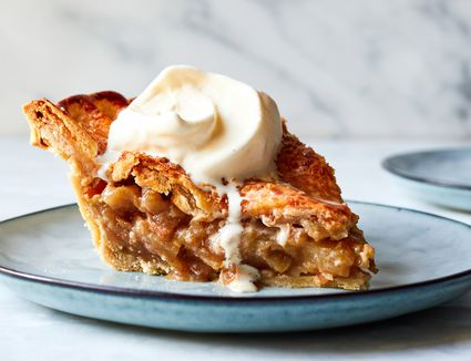 Granny Smith Apple Pie recipe, apple pie on a blue plate