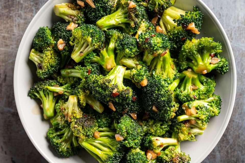 Vegan Broccoli With Garlic Sauce