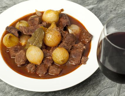 Beef and Onion Casserole, Greek Style