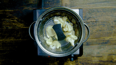 3 Easy Ways to Steam Cauliflower