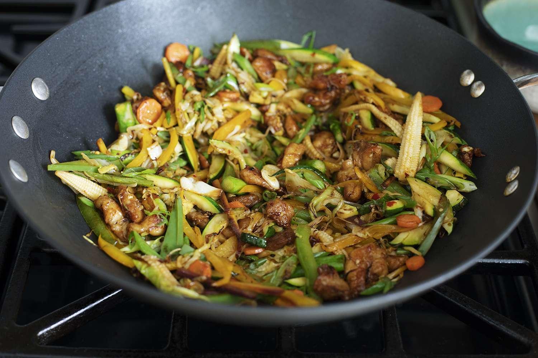 calphalon-elite-nonstick-wok-cooking