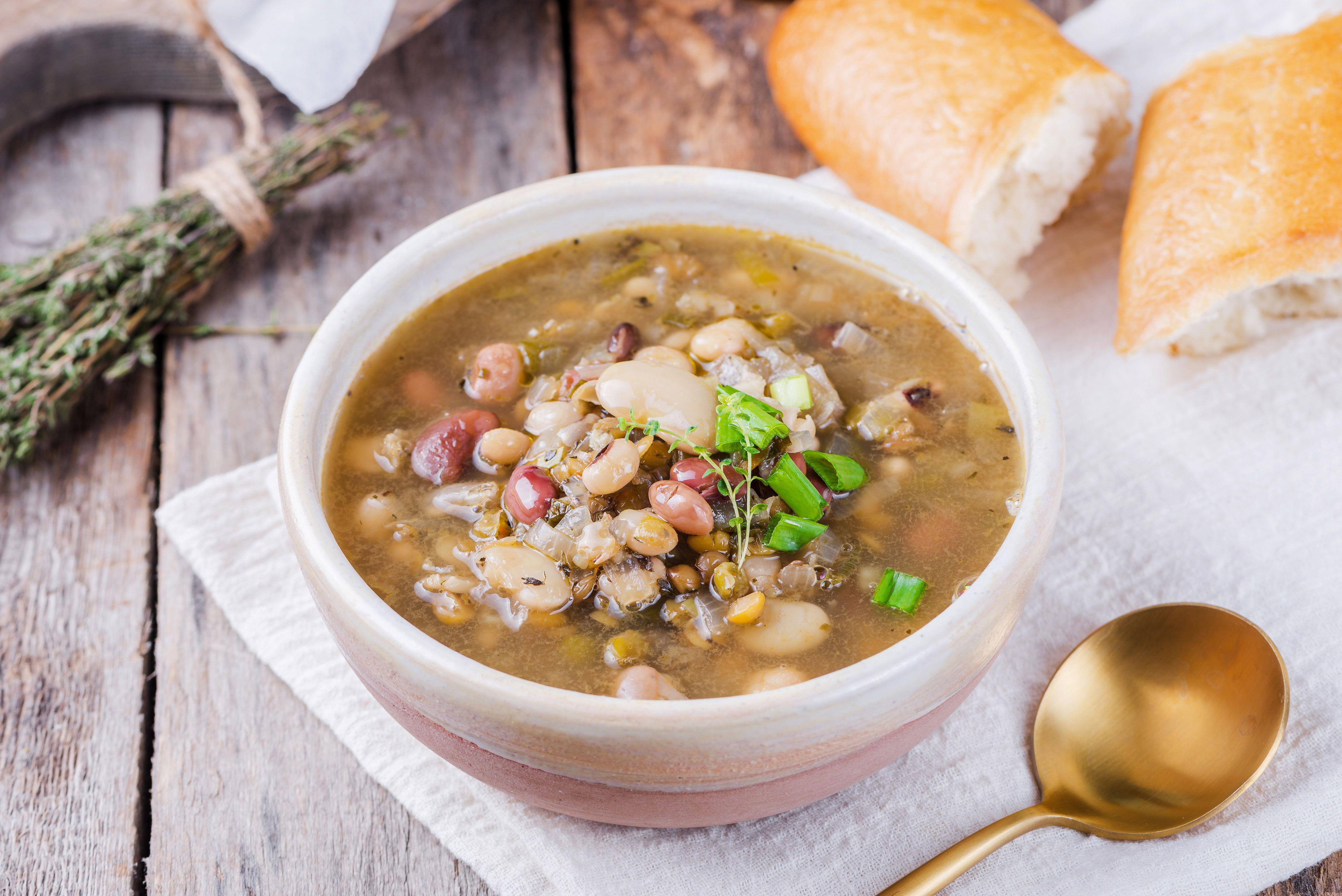 Janetta's vegetarian bean soup