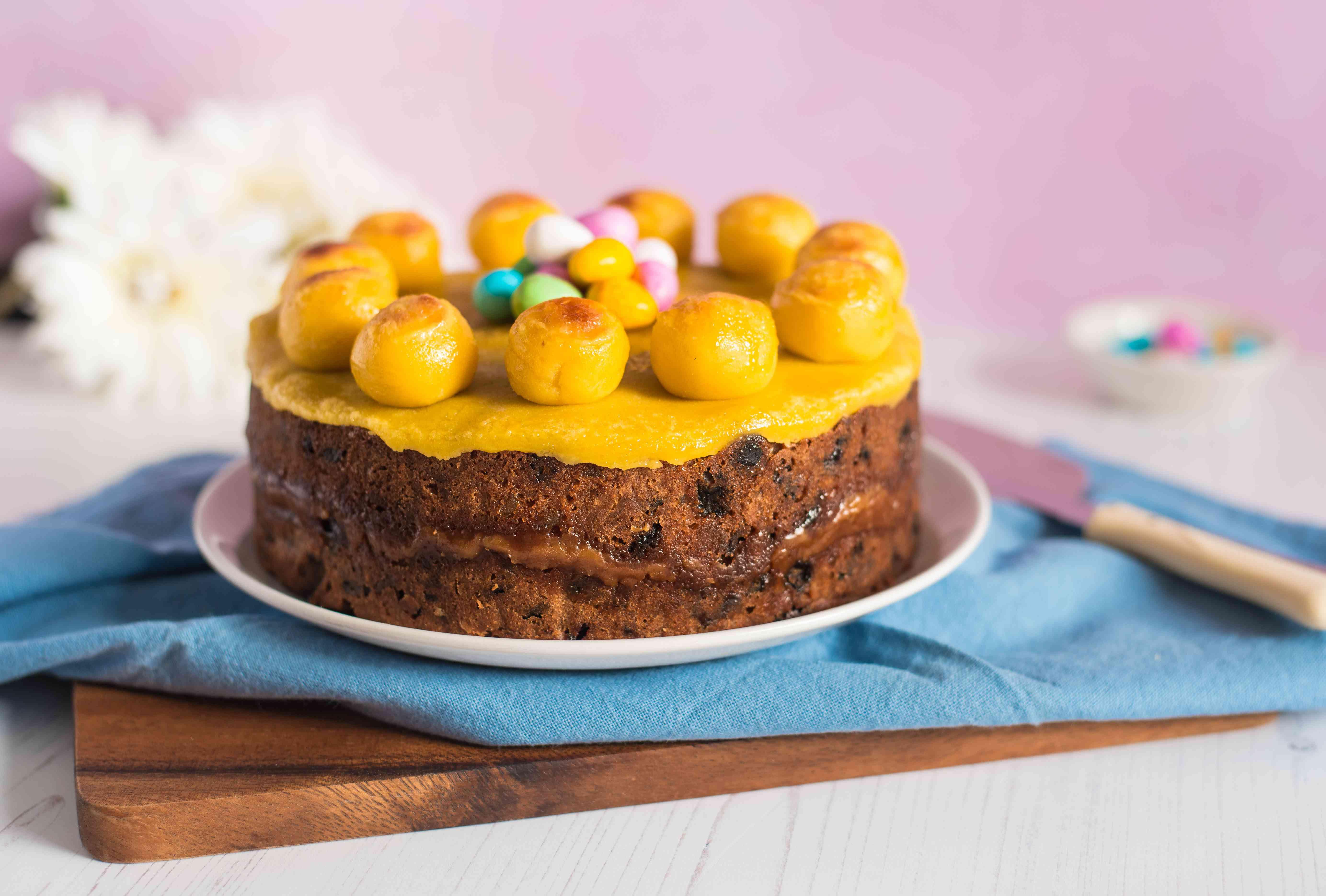 Simple simnel cake