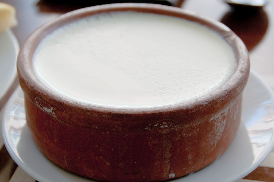 Turkish full-fat yogurt in a clay pot