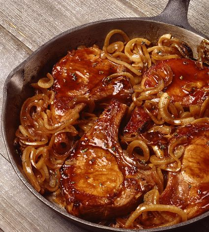 Pan roasted pork chops with onions