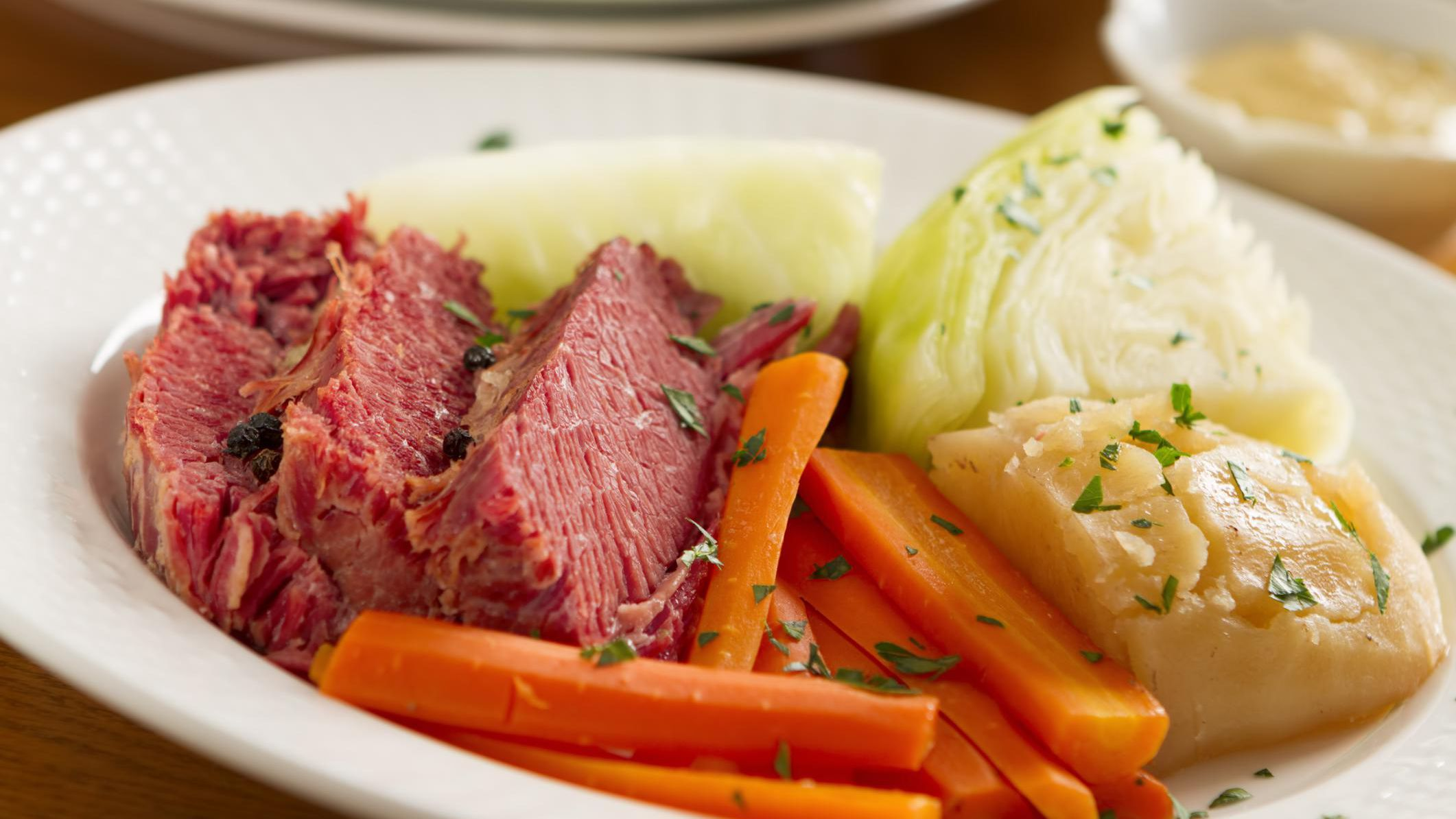 How To Make Corned Beef And Cabbage In A Dutch Oven