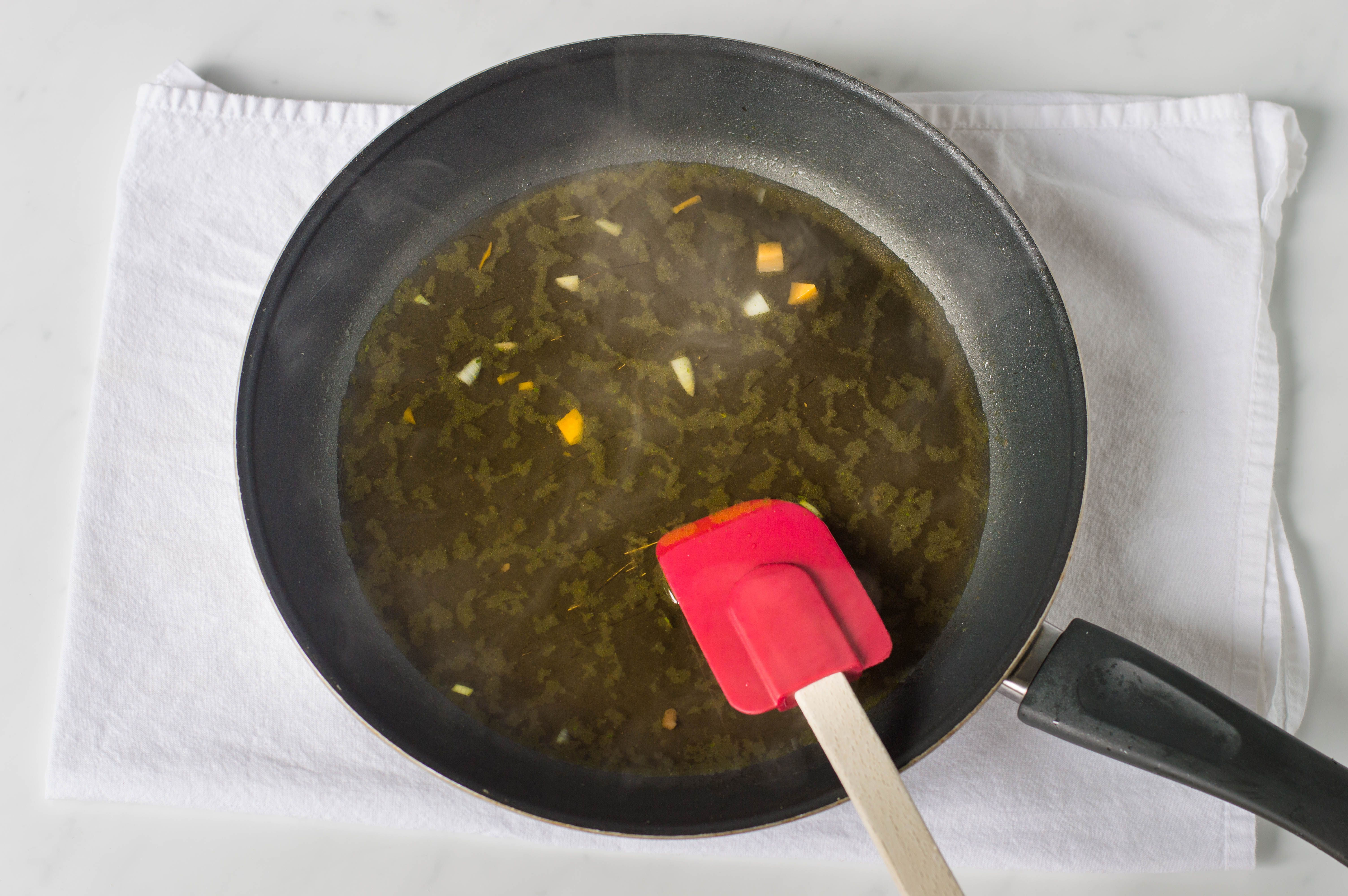 Frying pan with stock