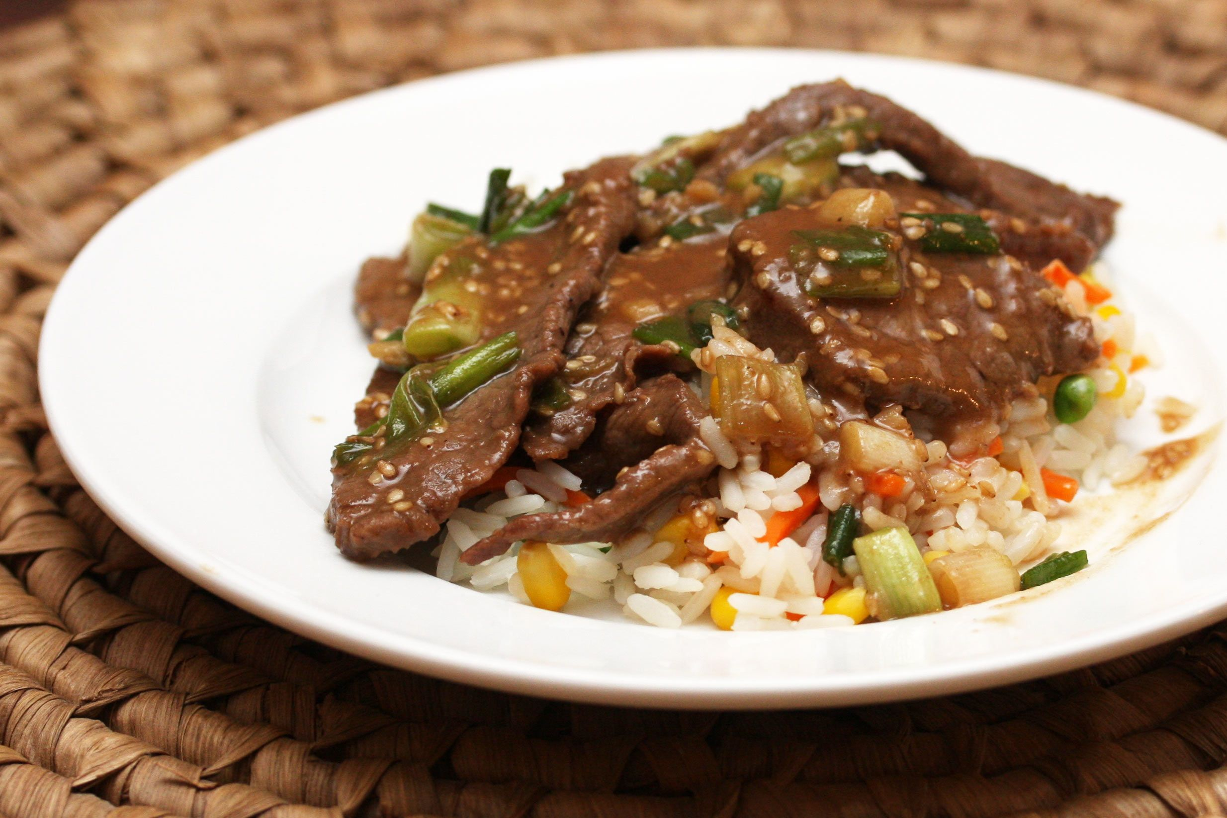 Slow Cooker Round Steak With Vegetables and Gravy