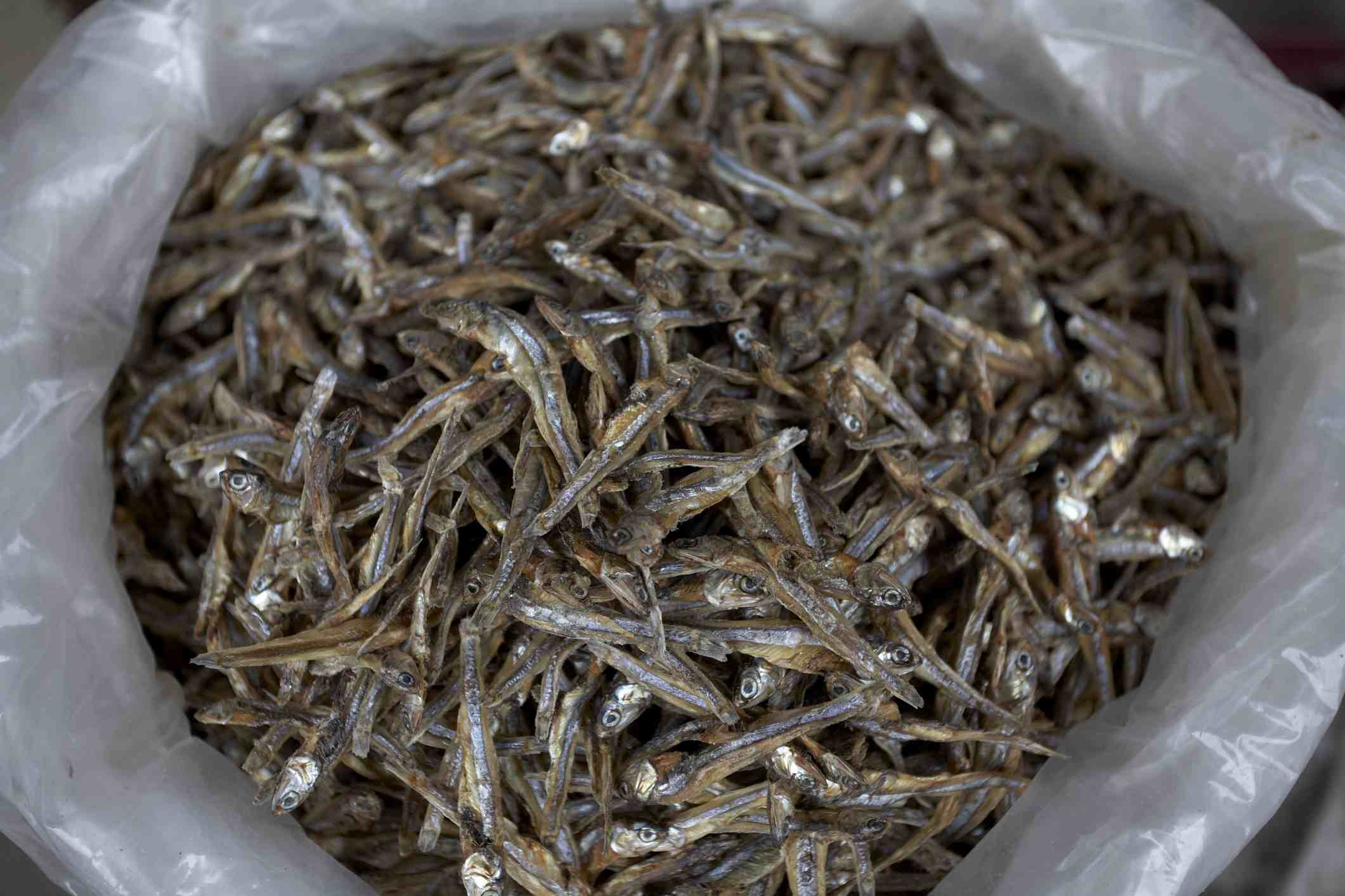 Dry anchovies